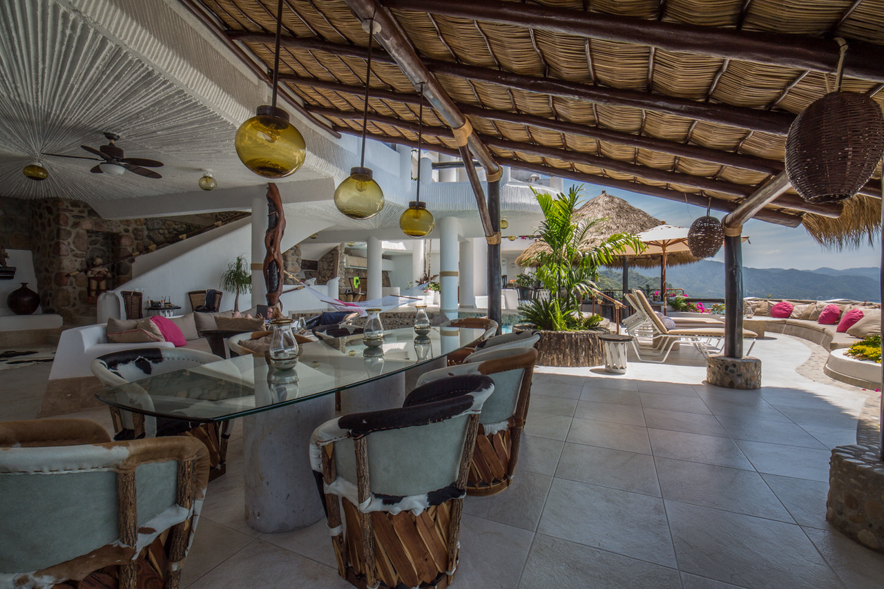 Penthouse Villa Outdoor Dining
